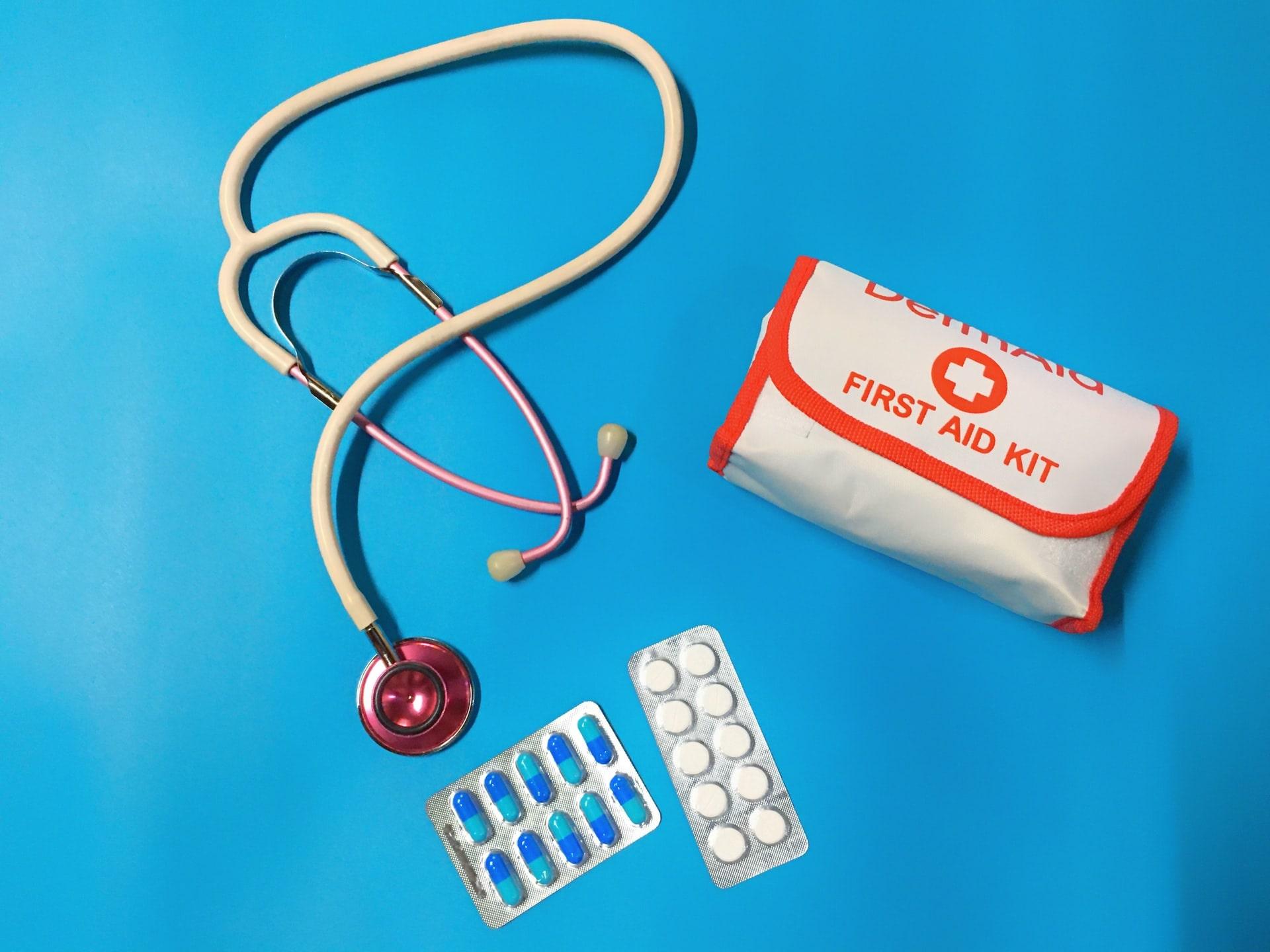 first aid kit la gi